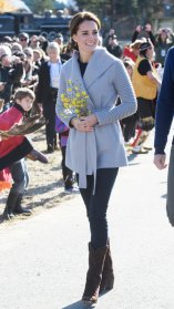 WHITEHORSE, CANADA - SEPTEMBER 28: (NO UK SALES FOR 28 DAYS) Catherine, Duchess of Cambridge visits Montana mountain Carcross on September 28, 2016 in Whitehorse, Canada. (Photo by Pool/Sam Hussein/WireImage)